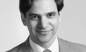 Haarausfall bei Männern | Toupets, Perücken und Haarteile für Männer